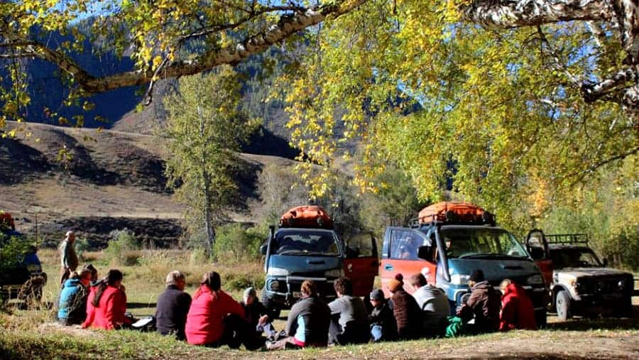 Aktru-Trekking-Gruppenreise–Rast