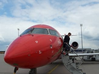 CRJ100