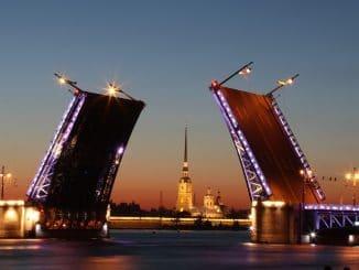 Sankt Petersburg: World Travel Award - Weiße Nächte