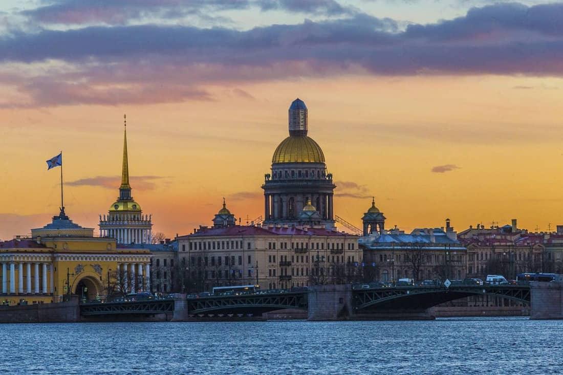 Flug Köln St Petersburg