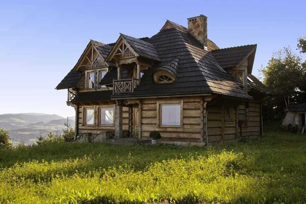 typisches karelisches Holzhaus