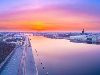 Sankt Petersburg - Sonnenaufgang an der Newa